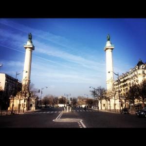 la place de la nation et ses colonnes du Trône  ©Pierre-Clément Julien