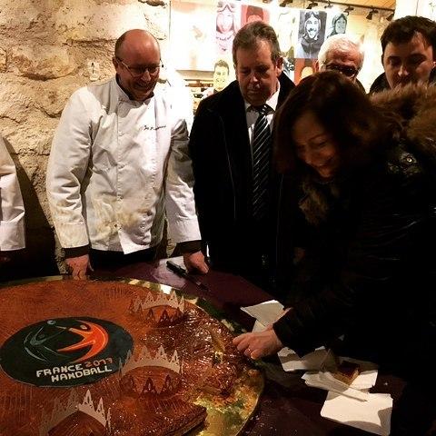 Merci aux boulangers du GrandParis pour cette belle galette inauguralehellip