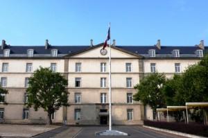 20121016-Cour-militaire-de-la-caserne-de-Reuilly-300x199