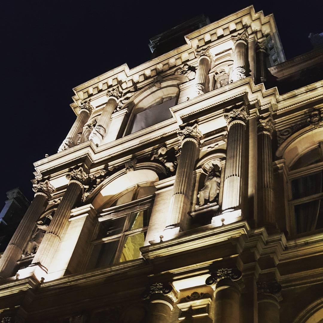 Mairie de Paris la nuit